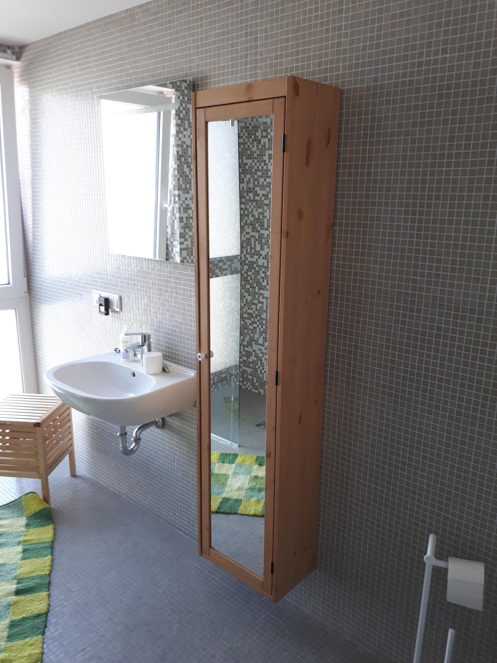 montage de meubles et service on demand nadin. Black Bedroom Furniture Sets. Home Design Ideas